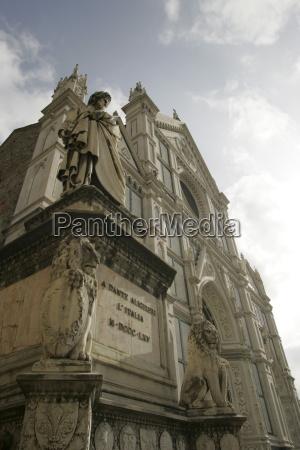 dante and the facade of santa