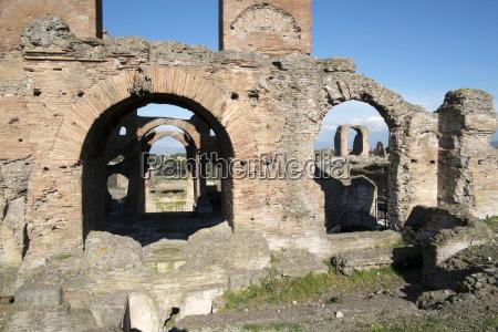 the quintili brothers roman consuls built