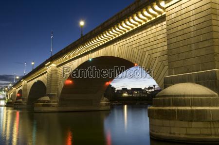 london bridge in the late evening