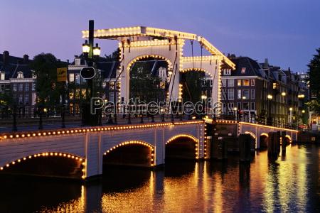 magere brug skinny bridge amsterdam the