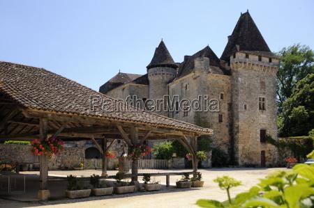 old market and le chateau de