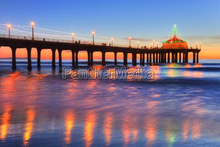manhattan beach pier at sunset completed