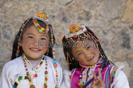 tow girls of naxi minority people
