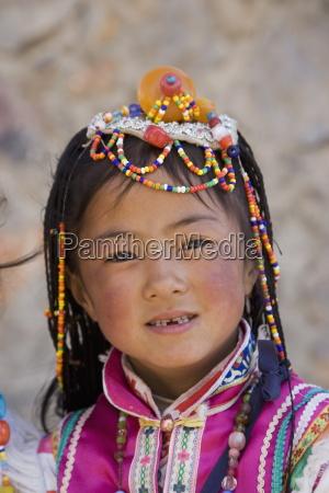 girl of the naxi minority people