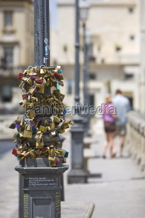 love safety locks santoronzo square lecce