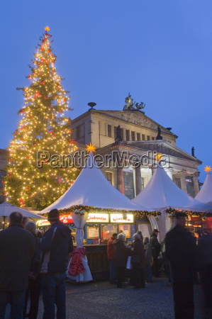 gendarmen markt christmas market and konzert