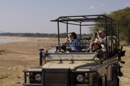game spotting on safari south luangwa