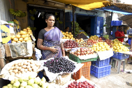 fruit shop in the market madurai