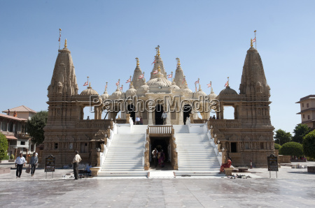 the carved white marble jain swaminarayan