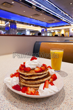 pancakes mid town manhattan diner new