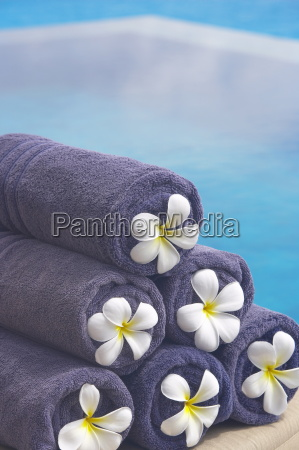 towels on the swimming pool maldives