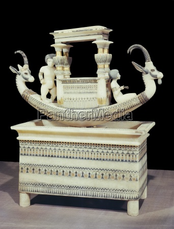 alabaster boat showing the head of