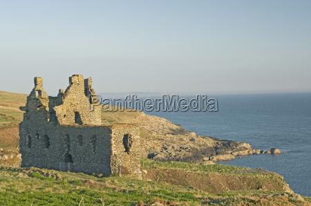 the 16th century clifftop dunskey castle