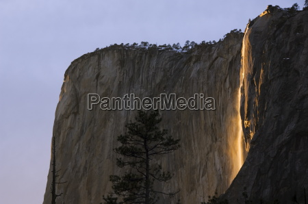 late afternoon light on horsetail falls