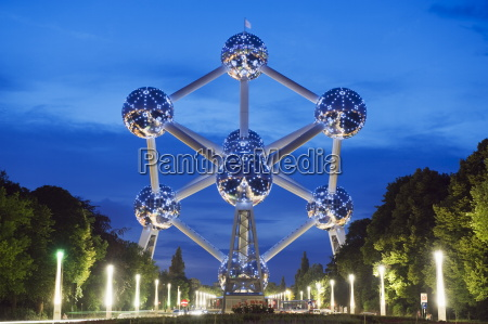 1958 world fair atomium model of