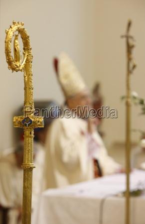 heilige messe zelebriert von dem lateinischen