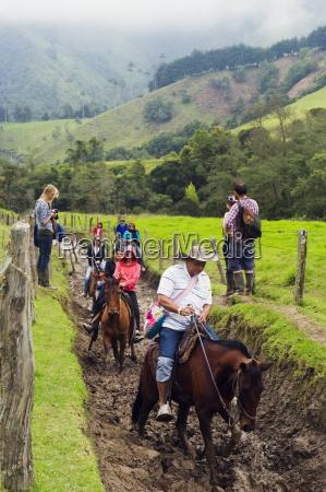 horse riding in cocora valley salento