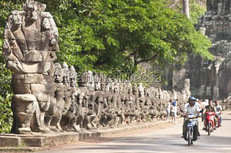 south gate to angkor thom angkor