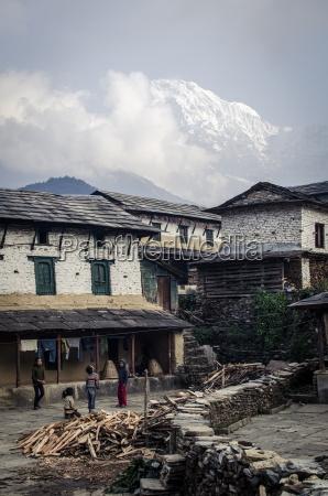 the village of ghandruk with annapurna