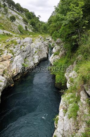 rio cares carving through karst limestone
