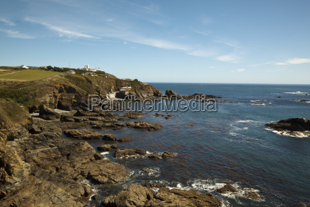 lizard point lighthouse and lifeboat house