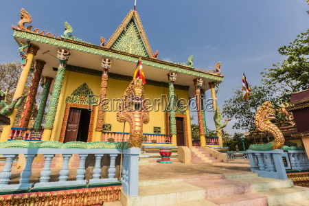 the hilltop temple of wat phnom