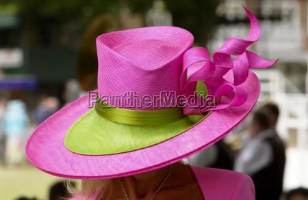 mulher mulheres passeio viajar moda cor