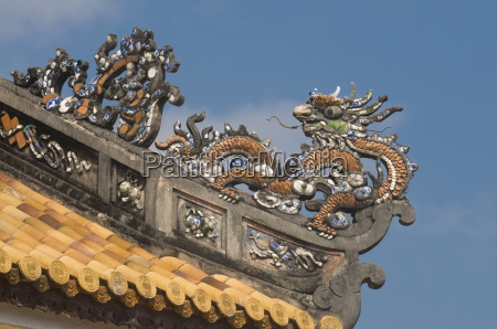 dragons on top of the roof