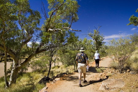 tourists at simpsons gap in west