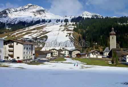 ski season in lech austria