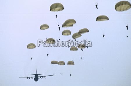 british parachutists on 50th anniversary of