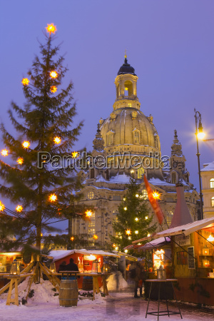 christmas market in the neumarkt with