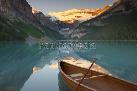 canoe on lake louise at suise