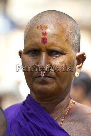hindu pilgrim woman with tilaka bindi