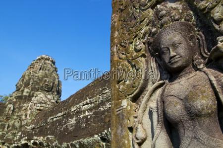 detail of apsara sculpture bayon temple