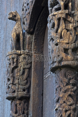 detail of carved portal arch lom
