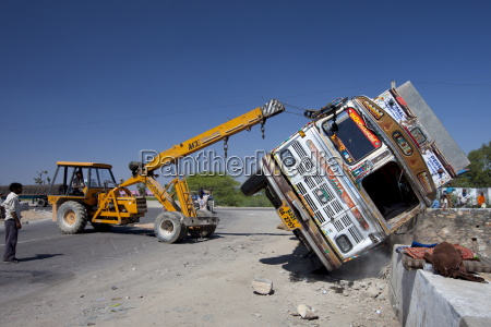 tata truck overturned in traffic accident