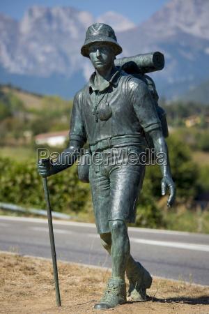 hiker bronze statue on pilgrims way