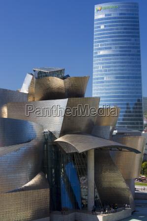 frank gehrys guggenheim museum futuristic architectural