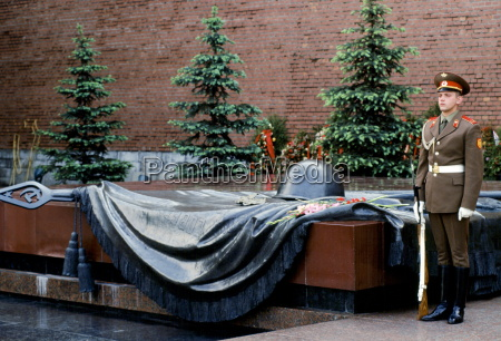 tomb of the unknown soldier world
