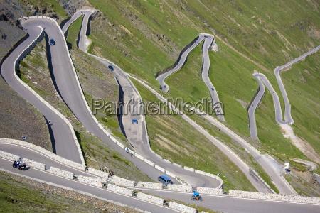 cars on the stelvio pass passo