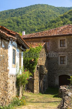 mountain village of somaniezo in picos