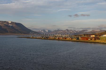 longyearbyen at sunset spitsbergen svalbard arctic