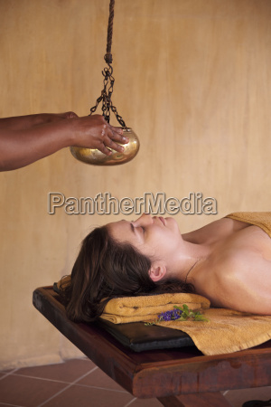 shsirodhara herbal oil therapy of head
