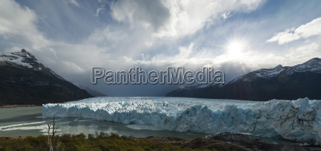 afternoon light on the perito moreno