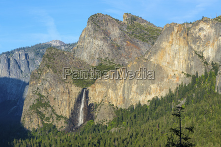 cathedral rocks east and bridalveil fall