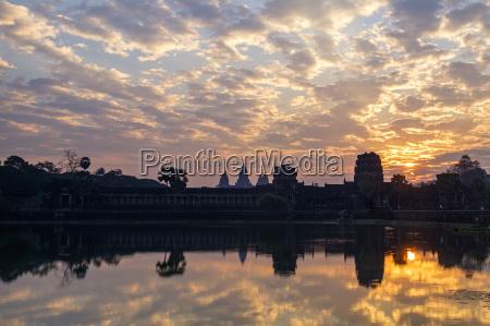 sunrise angkor vat temple built in