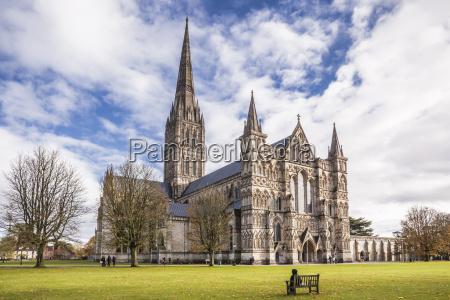 the magnificent salisbury cathedral salisbury wiltshire
