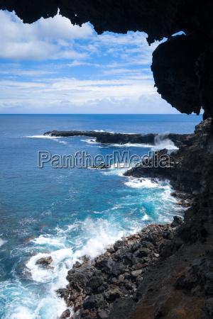 cliffs and pacific ocean landscape vue