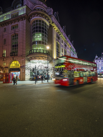 uk london piccadilly circus driving double